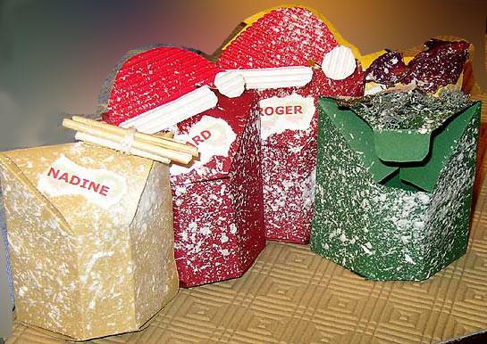 Boites de noel pour decorer votre table de noel for Decoration d une boite en carton
