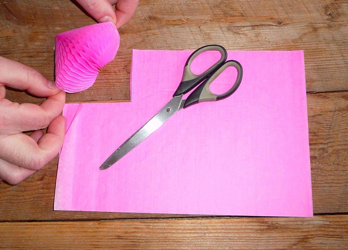 Table de saint valentin pliage de coeur pour la saint valentin decoration de plats gastronomie - Modele de coeur a decouper ...