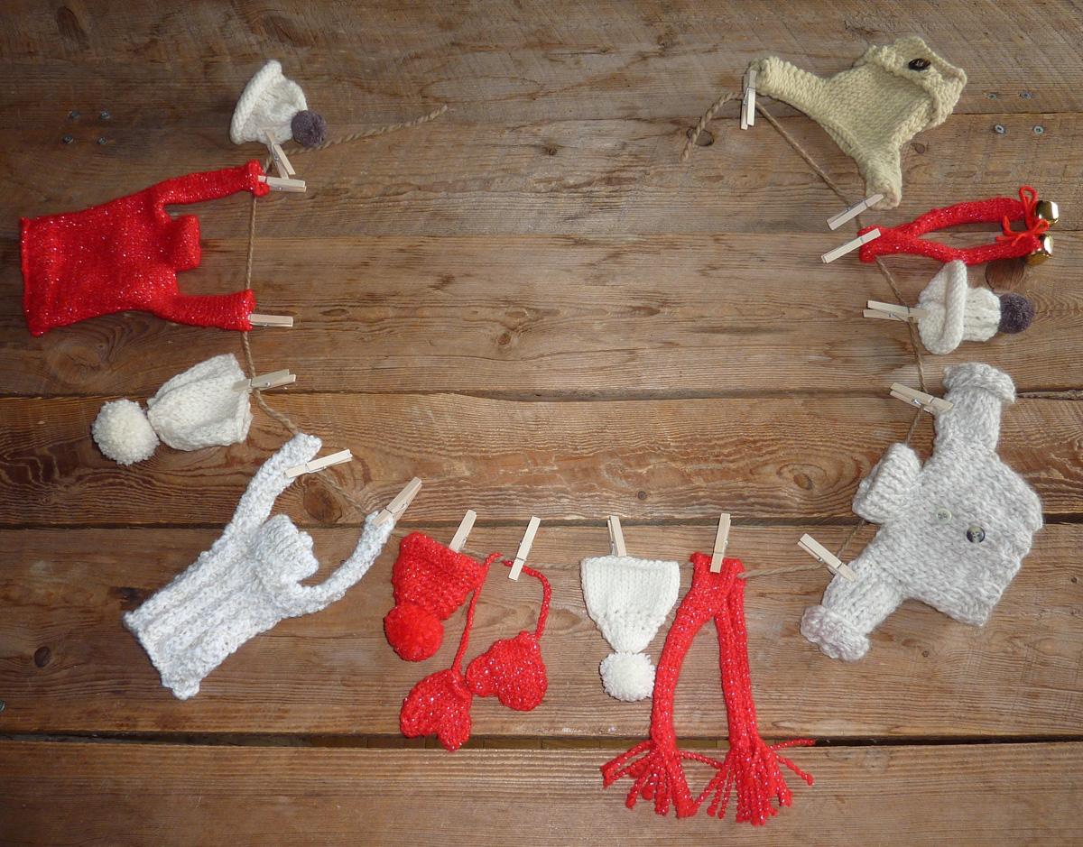 tricoter des mini pulls en laine pour noel tricots de. Black Bedroom Furniture Sets. Home Design Ideas