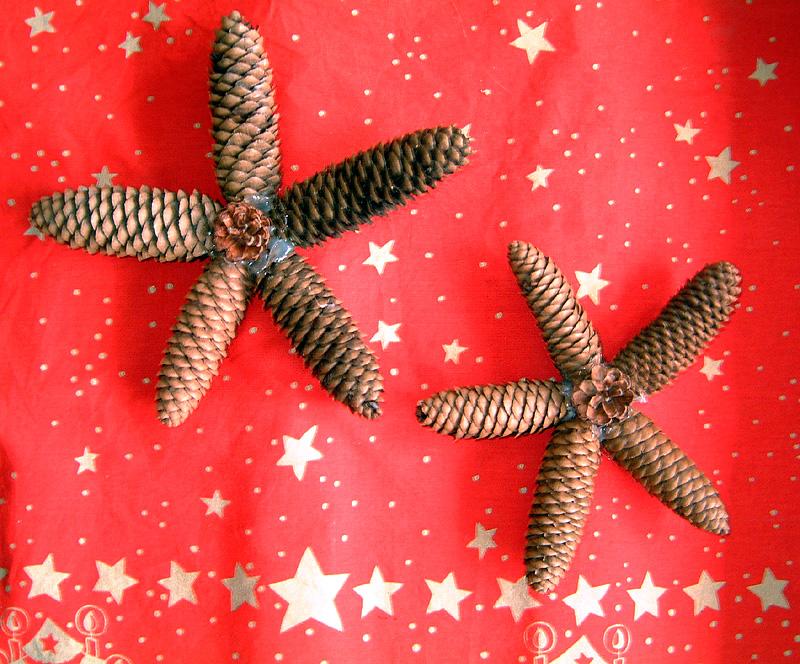 Decoration etoiles en pommes de pin de noel decoration de - Decoration de pomme de pin ...