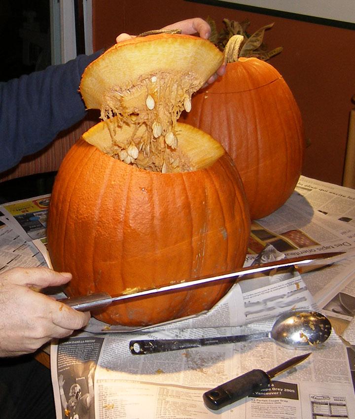 Creuser et d corer votre citrouille pour l 39 halloween - A l interieur d une citrouille ...