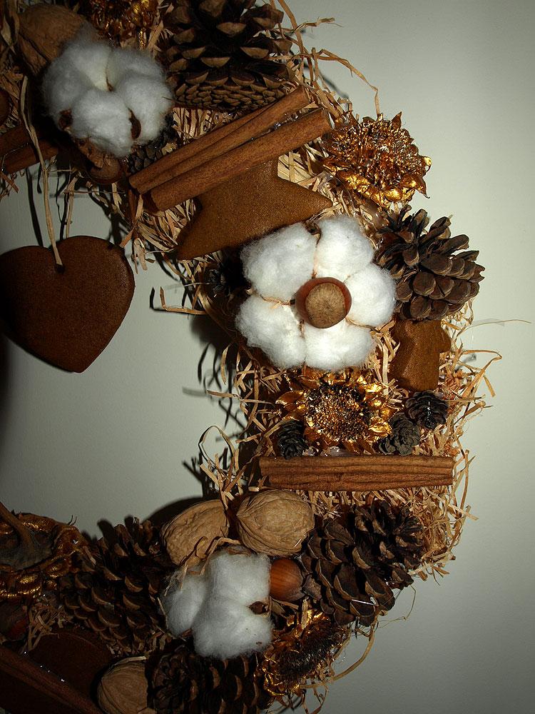 faire une couronne de no l pr parer une couronne de no l. Black Bedroom Furniture Sets. Home Design Ideas