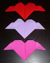 Pliage de serviettes de table en papier pliage de papier origami deocratio - Pliage serviette en coeur ...