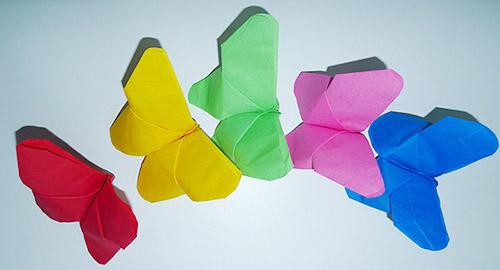 Pliage de serviette de table en forme de fleur tropicale - Comment plier une serviette en papier en forme de coeur ...