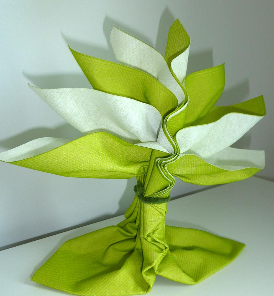 pliage de serviette de table en forme de palmier ou arbre de vie r aliser palmier ou arbre avec. Black Bedroom Furniture Sets. Home Design Ideas