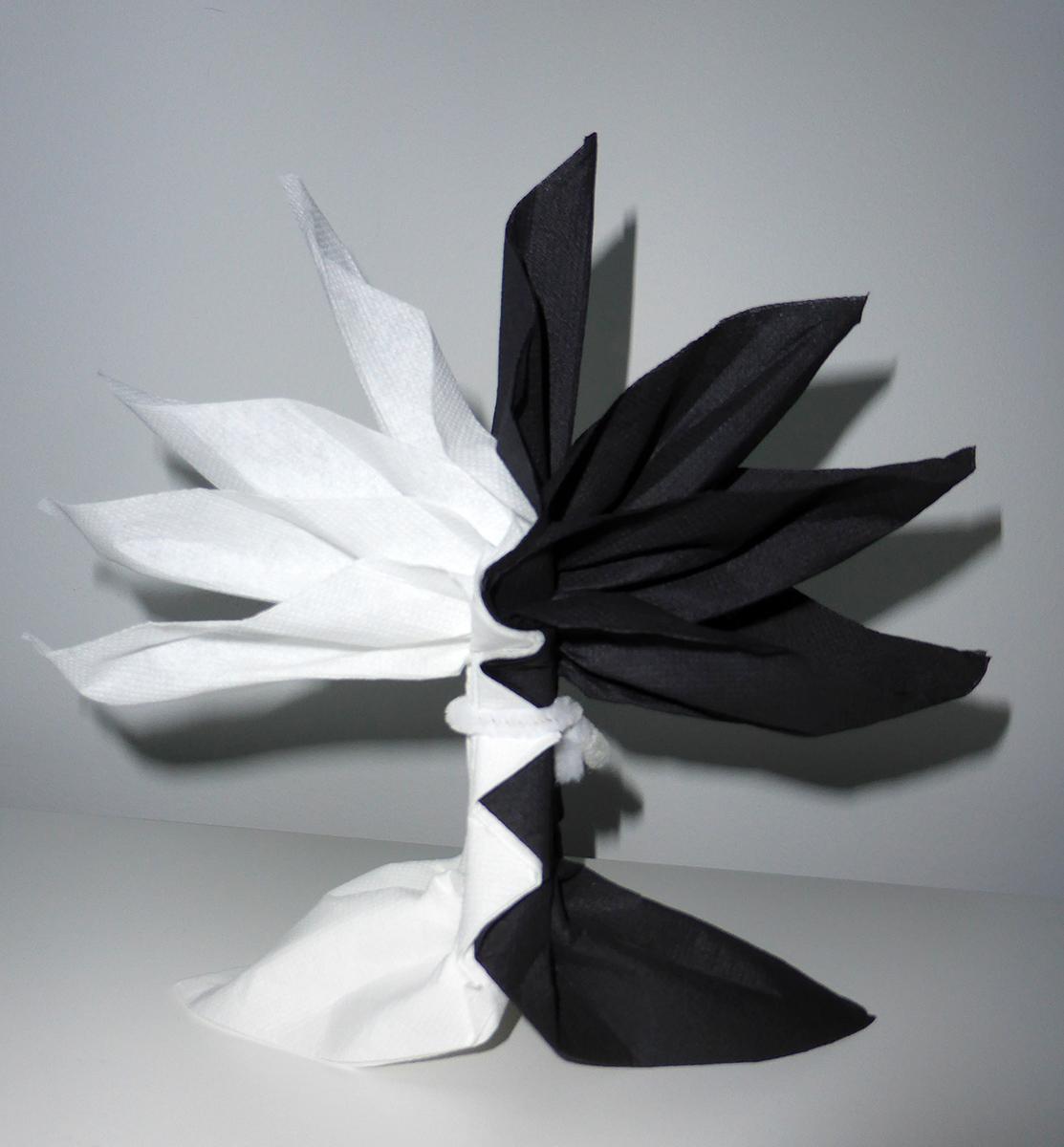 Pliage de serviette de table en forme de palmier ou arbre - Pliage des serviettes en papier ...