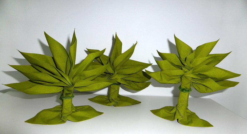 pliage de serviette de table en forme de palmier ou arbre. Black Bedroom Furniture Sets. Home Design Ideas