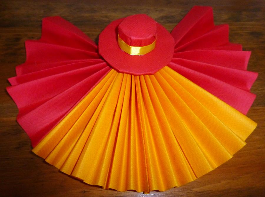 Pliage de serviette de table en forme d 39 ventail avec son sombrero r ali - Pliage chapeau papier ...