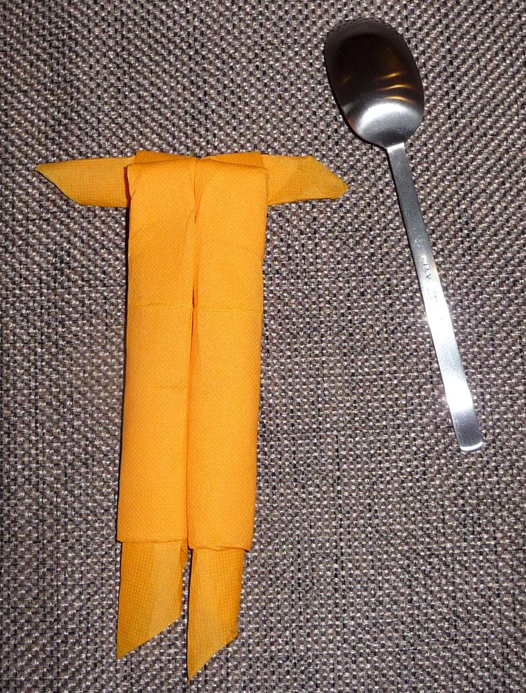 Pliage De Serviette De Table Du Petit Bonhomme Cuillère Pour Vos
