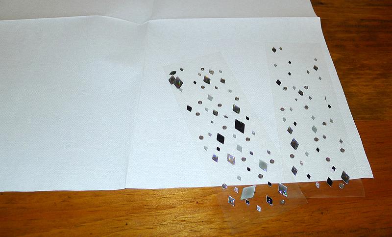 pliage de serviette de table en forme de colombe r aliser. Black Bedroom Furniture Sets. Home Design Ideas