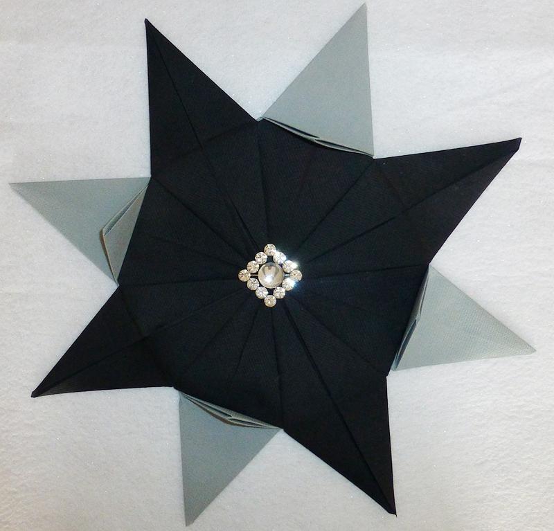 Pliage de serviette de table en forme d 39 toile etoile en papier origami napkin folding Pliage avec 2 serviettes en papier