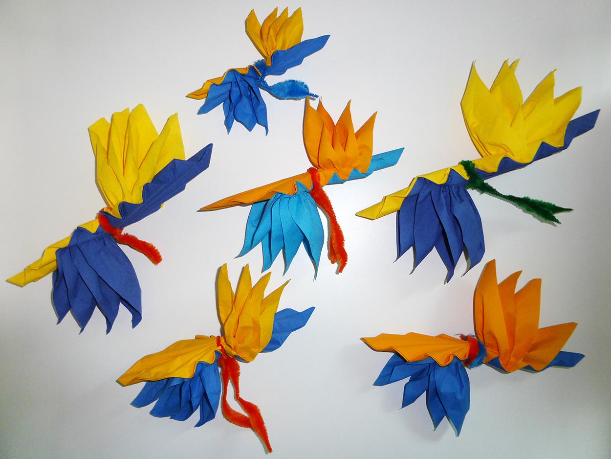 Serviette en papier fleur - Fleur en papier crepon pliage ...