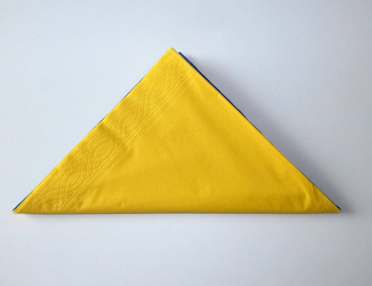 Pliage de serviette de table en forme d 39 oiseau du paradis r aliser une fleur oiseau du paradis - Pliage serviette papier fleur ...