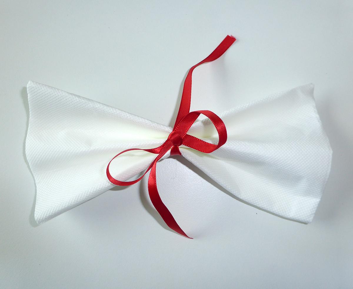 Pliage Serviette Papier Avec Couverts pliage de serviette de table en forme de noeud papillon