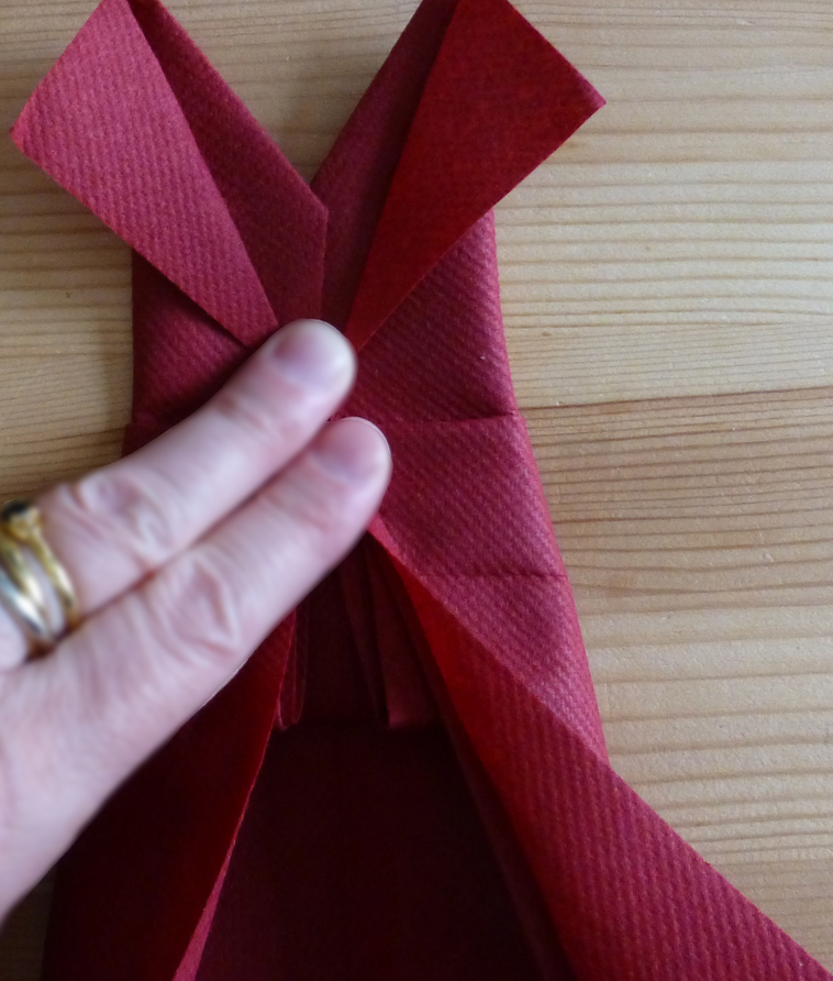 Pliage De Serviette En Papier En Forme De Robe De Soirée Plier Une