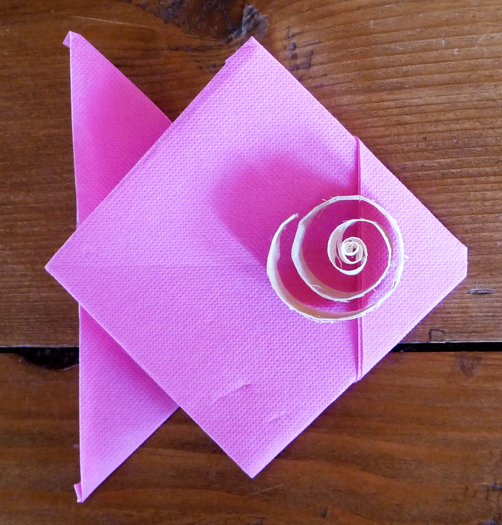 Pour ma famille pliage serviette de table origami - Pliage des serviettes de table en papier ...