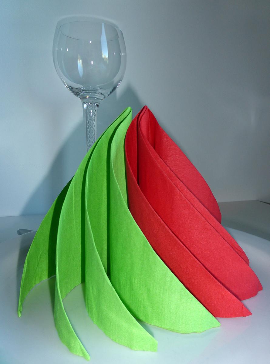 pliage de serviette de table en forme de spirale ou de sapin de no l moderne r aliser une. Black Bedroom Furniture Sets. Home Design Ideas