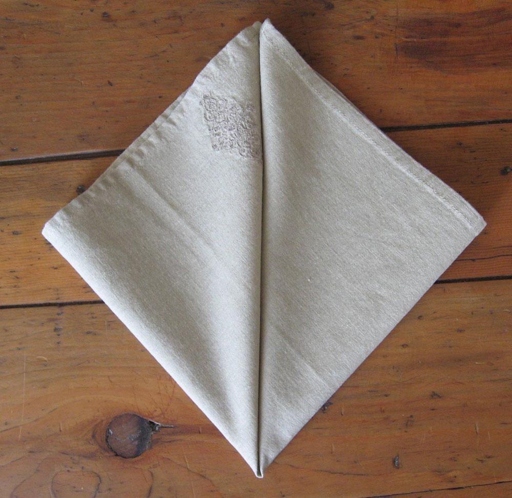 Pliage de serviettes de tables sourour et son partage au - Pliage serviettes de table ...