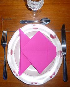 Pliage de serviette de table en forme de poisson origami - Pliage serviette theme mer ...