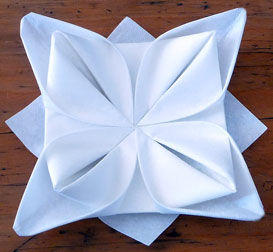 Serviette de table papier pliage