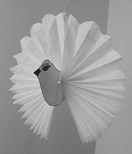 recette et bricolage de la colombe de p ques colombe en papier de soie gastronomie recettes de. Black Bedroom Furniture Sets. Home Design Ideas