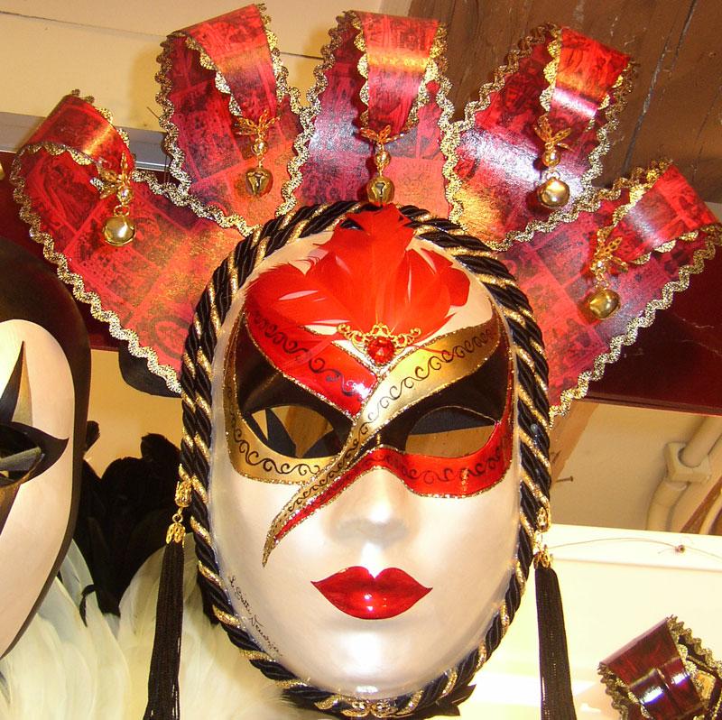 Carnaval de Venise, masques & costumes.... tous somptueux ! dans Carnaval masque.carnaval.de.venise11