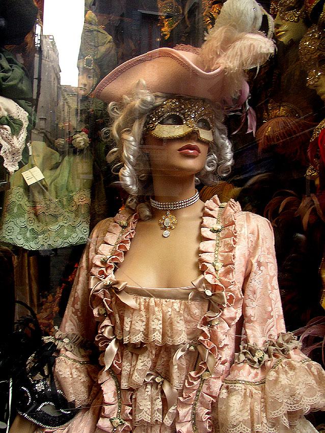 carnaval de venise masques costumes tous somptueux de tout en vrac. Black Bedroom Furniture Sets. Home Design Ideas